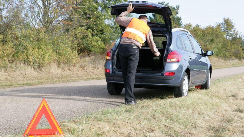 Le triangle n'est pas obligatoire lorsque sa pose constitue une mise en danger de la vie du conducteur.