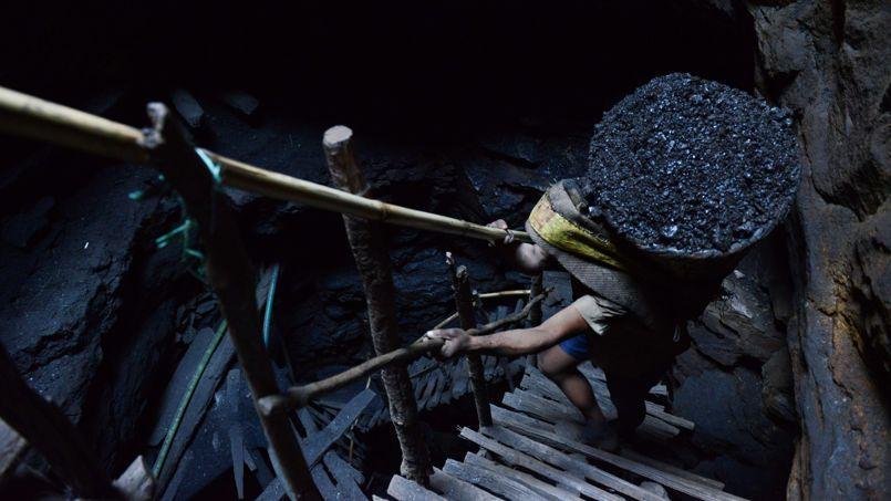 Climat: pétrole, gaz et charbon doivent rester sous terre