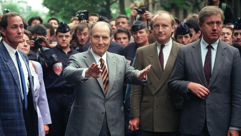 François Mitterrand, le 14 mai 1990, lors de la manifestation organisée suite à la profanation des tombes juives à Carpentras.