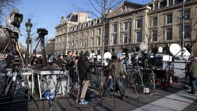 De nombreux médias français et étrangers couvriront la marche républicaine.