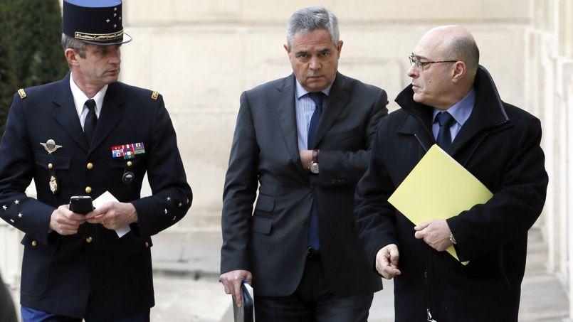 Denis Favier, directeur général de la gendarmerie nationale, Patrick Calvar, directeur général de la DGSI et Jean-Marc Falcone, directeur général de la police nationale lors de leur arrivée à l'Élysée mercredi.