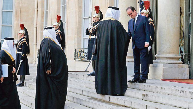 Une délégation qatarienne est reçue à l'Élysée par François Hollande avant la marche républicaine du 11 janvier à Paris.