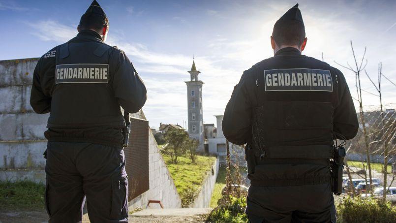 Le site de la mosquée en construction de Poitiers a été placée sous surveillance après un début d'incendie dimanche soir.