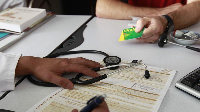 Les médecins prolongent la grève de la carte Vitale (Crédit: ©PHOTOPQR/LE PARISIEN/LEJEUNE)