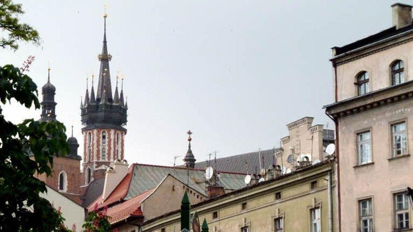 En Pologne, environ 40% des crédits immobiliers sont libellés en francs suisses (Crédit: Richard VIALERON / LE FIGARO)