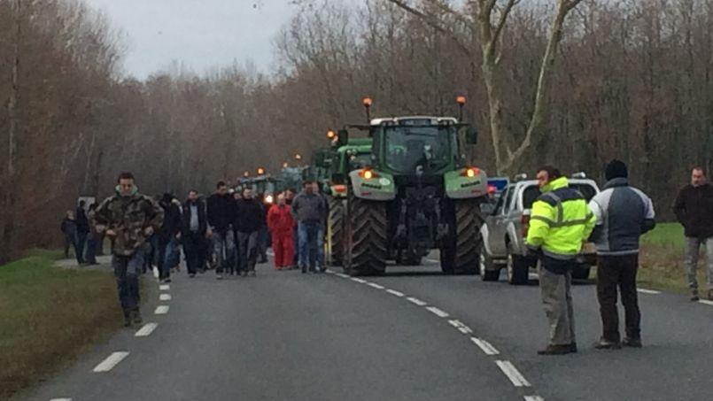 Sivens: les agriculteurs maintiennent la pression