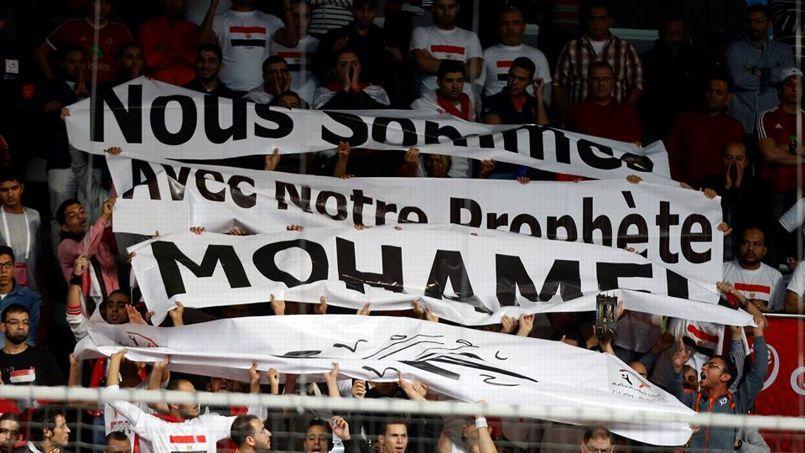 Des supporters égyptiens dimanche soir à Doha (Crédits: S. Pillaud/FFHB).