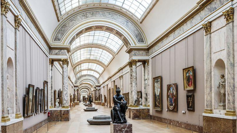 Le louvre repense sa grande galerie for Le louvre interieur