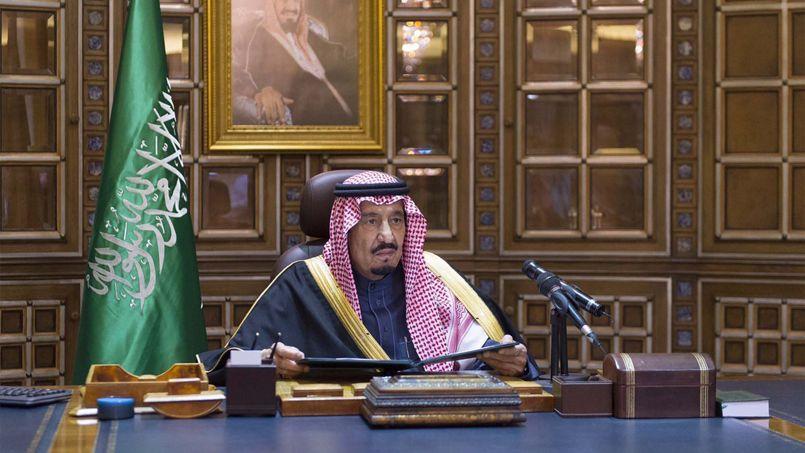 Le nouveau souverain Salman, successeur de son demi-frère Abdallah, lors de son allocution sur les chaînes de télévision saoudiennes, vendredi.