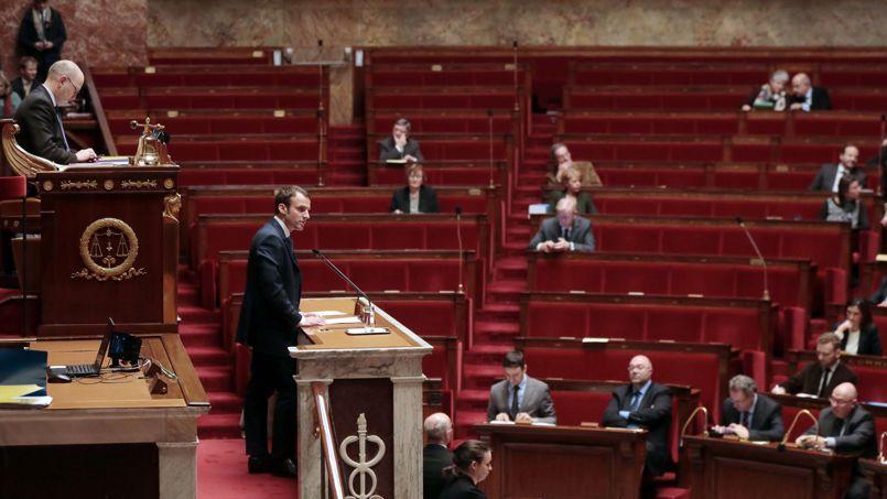 L'examen de la loi Macron débute dans un hémicycle quasi vide