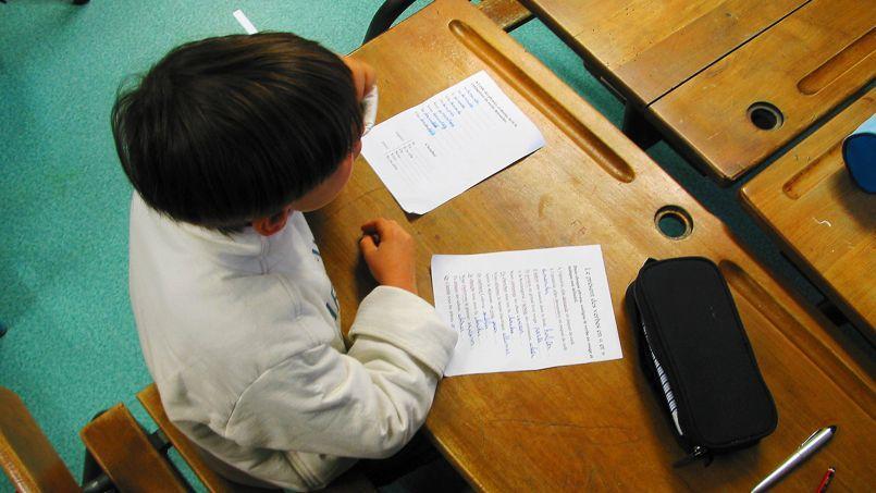 La suppression totale du redoublement à la rentrée 2015 permettrait d'économiser 2 milliards par an à partir de la rentrée scolaire 2027.
