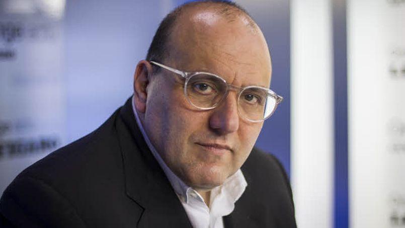 Julien Dray incapable de citer le nom du ministre de la Ville