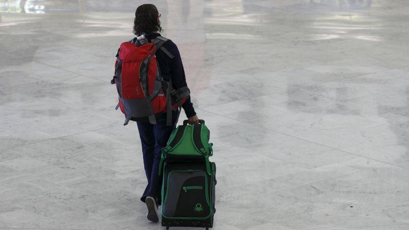 Le vol est le moyen de transport le plus utilisé, compagnies aériennes low-cost et régulières en tête, loin devant la voiture et le train.
