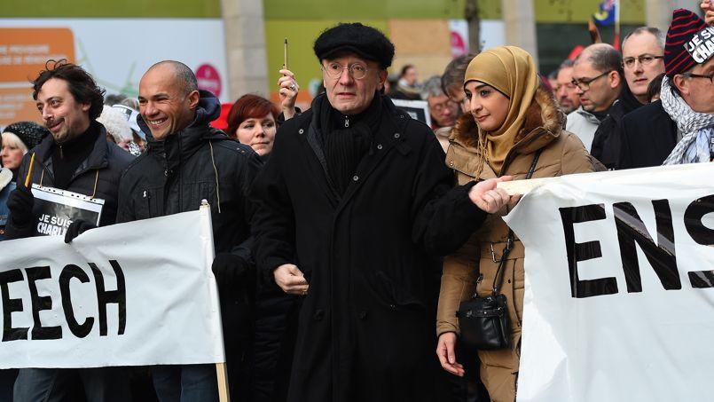 Le dessinateur Philipe Geluck à la marche pour la liberté d'expression après les attentats de Charlie Hebdo, le 11 janvier 2015 à Bruxelles, Belgique.