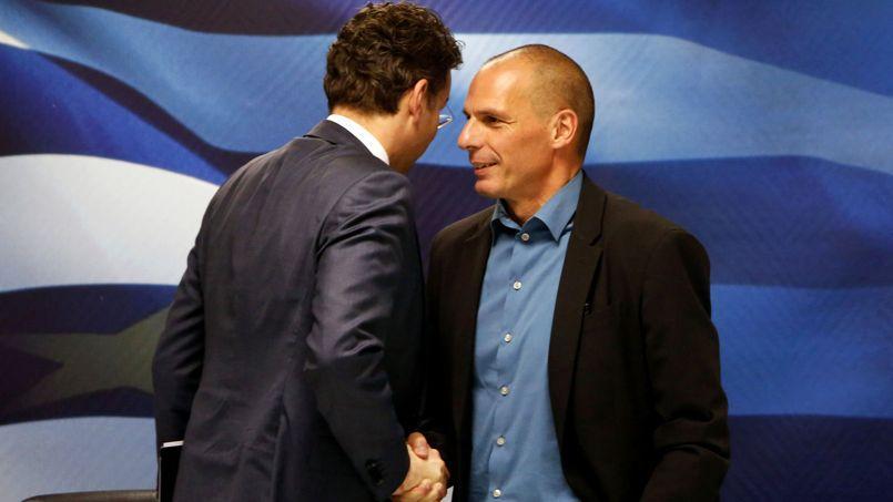 Le ministre grec des Finances, Yanis Varoufakis, a reçu le président de l'Eurogroupe, le ministre néerlandais des Finances, Jeroen Dijsselbloem (de dos), vendredi, à Athènes.