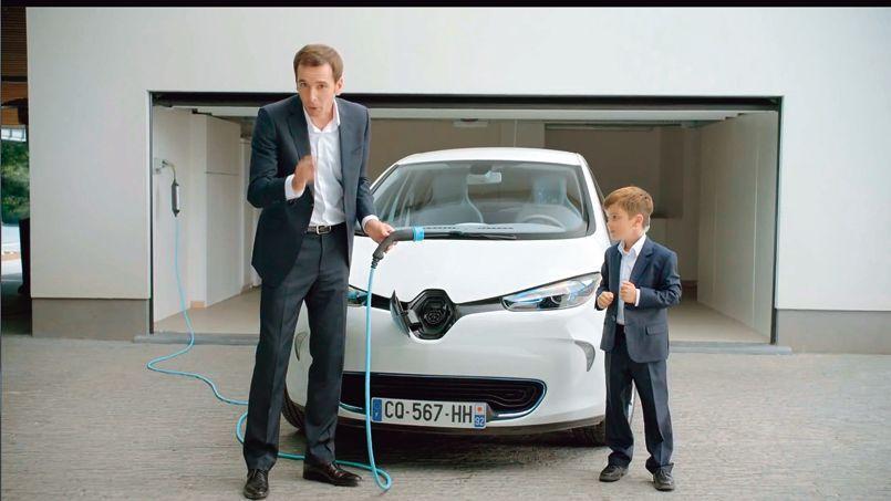 Renault reste le premier annonceur (ici le spot pour la Zoe) malgré un secteur automobile en recul sur le marché.