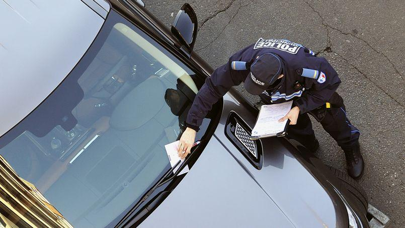 Stationnement dangereux ou gênant: un seul procès-verbal peut être dressé.