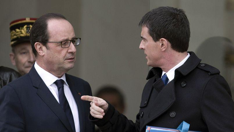 François Hollande et Manuel Valls, le 21 janvier devant le palais de l'Élysée.