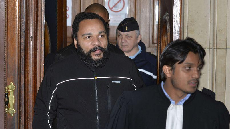 Dieudonné au tribunal de Paris, ce mercredi.