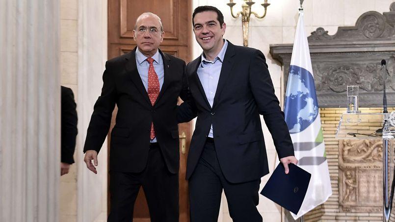 Le secrétaire général de l'OCDE, Angel Gurria, et le premier ministre grec, Alexis Tsipras, mercredi à Athènes.