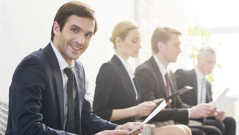 Les recruteurs recherchent avant tout des cadres expérimentés, au détriment des plus jeunes. (Crédit: Getty)