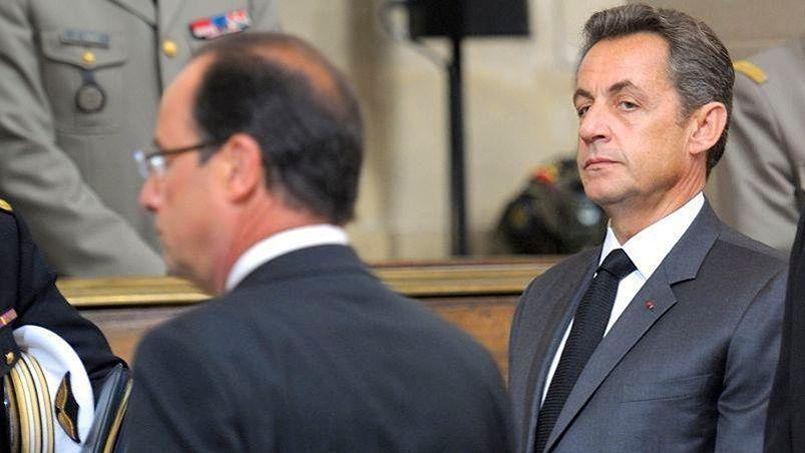Hollande critique l'héritage Sarkozy mais son bilan, à mi-mandat, n'est pas meilleur que celui de son prédécesseur.