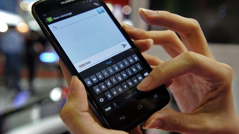 La Cour de cassation considère que le portable professionnel est un outil de travail.