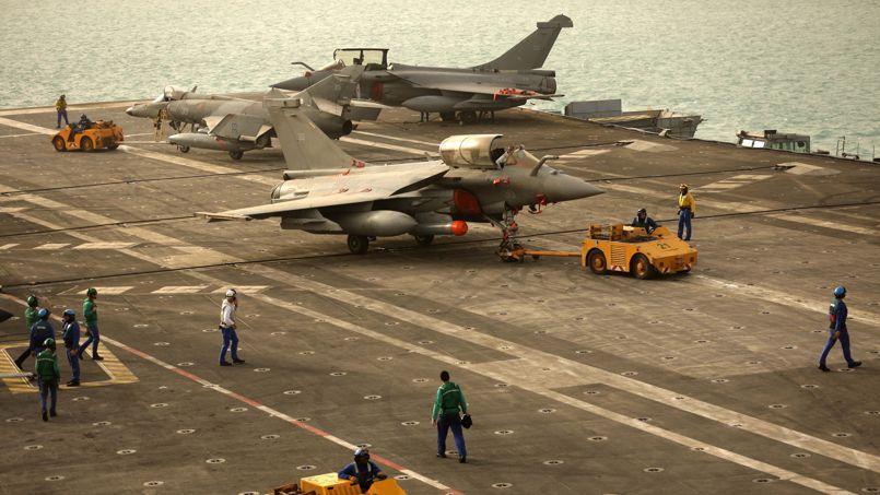 Le porte-avions  Charles-de-Gaulle dans le golfe arabo-persique ce dimanche 22 février.