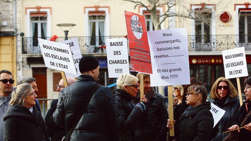 Manifestation d'artisans et de chefs d'entreprises contre le RSI, devant la préfecturedes Pyrénées-Orientales à Perpignan, le 2 février.
