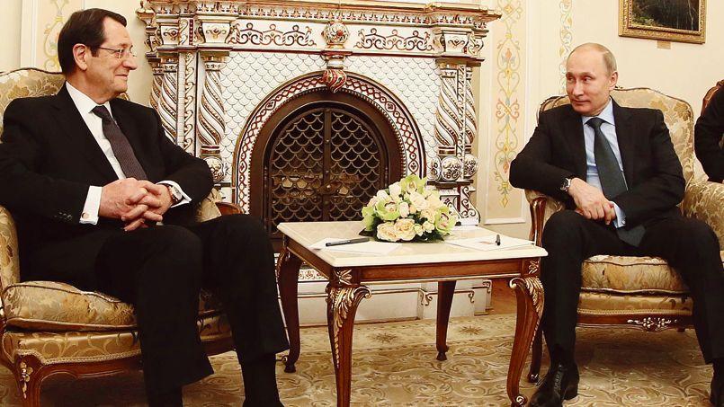Le président chypriote, Nikos Anastadiadis, lors de son entrevue mercredi avec Vladimir Poutine. Chypre est un paradis fiscal pour les grandes entreprises et fortunes russes.