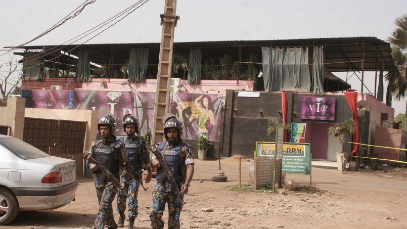 Le bar «La terrasse» situé dans un quartier animé de Bamako.