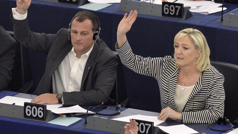 Le président du parlement européen a saisi l'Office européen de lutte antifraude concernant de potentielles irrégularités liées à 20 assistants parlementaires du Front national, sur les 63 qui travaillent avec 23 eurodéputés.