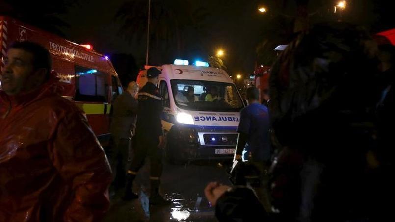Au moins 12 morts dans l'explosion d'un bus à Tunis, l'état d'urgence décrété