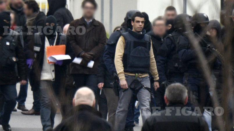 La photo de Sid Ahmed Ghlam lors de la reconstitution du meurtre d'Aurélie Châtelain