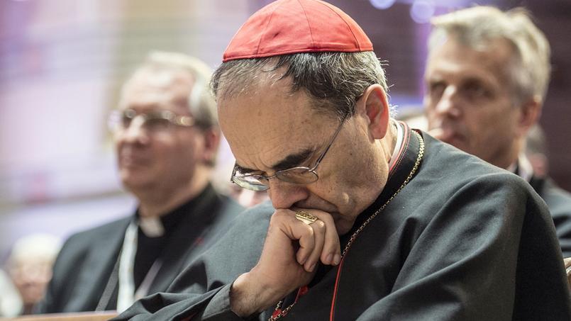 Pédophilie: le cardinal Barbarin demande «personnellement pardon» aux victimes