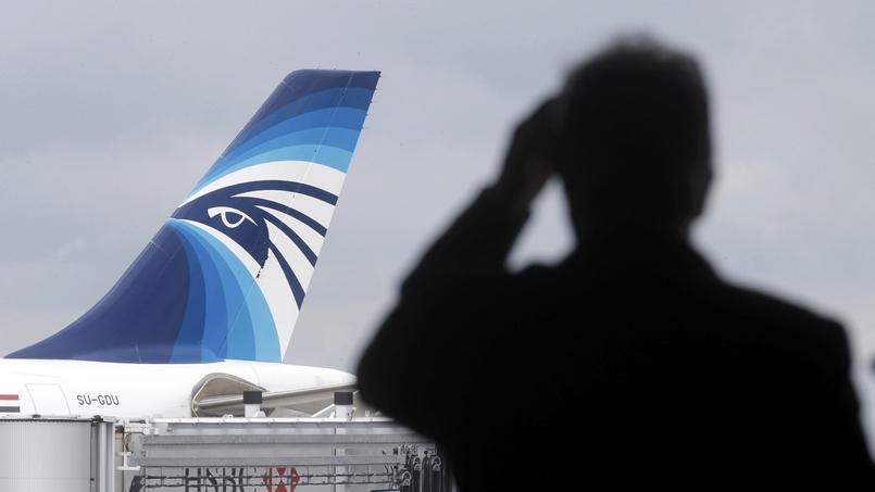 EN DIRECT - Vol EgyptAir : les débris localisés ne sont pas ceux du MS804