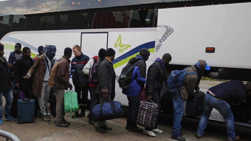 Résultats de recherche d'images pour «bus migrants calais»