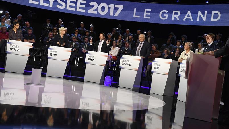 Les candidats sur le plateau du Grand débat.