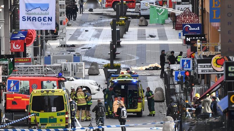 EN DIRECT - Attentat au camion-bélier à Stockholm: le chauffeur en fuite