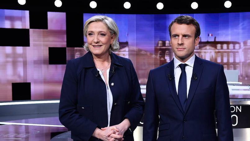 Marine Le Pen et Emmanuel Macron, sur le plateau du débat, mercredi soir.