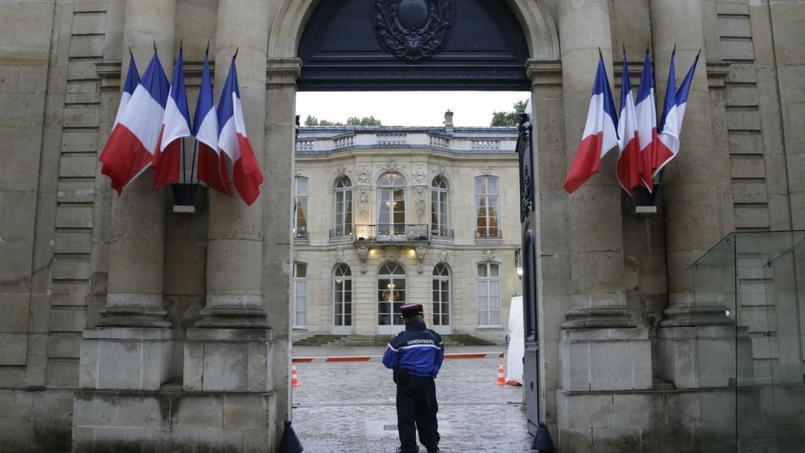 France : Macron choisit un Premier ministre de la droite modérée