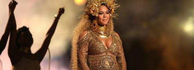 Beyoncé présente ses jumeaux: Sir et Rumi