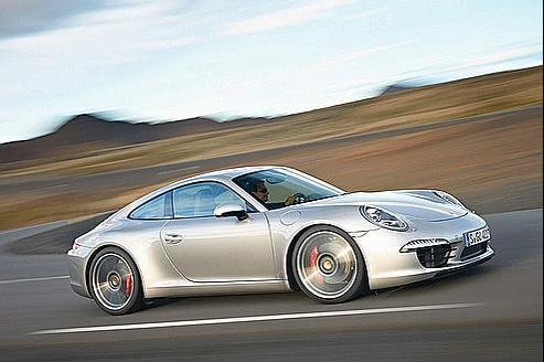 Porsche se rêve en chasseur de Ferrari