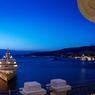Rivale de Venise, la ville reste encore un port d'où partent de nombreuses croisières.