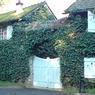 Le Moulin du Breuil à Combs-la-ville (77), ancienne demeure d'Helena Rubinstein, était loué par la famille Tapie depuis 1999. Elle a été achetée en 2010 par une société basée à Londres.