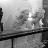 En 1985, les usagers du métro parisien ont pu découvrir à la station Bastille une série de Marianne, toutes incarnées par Catherine Deneuve mais réalisées par des sculpteurs différents. Le public a ensuite été appelé à voter pour désigner lequel de ces bustes deviendrait officiellement Marianne.