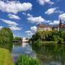 Le châteaude de la ville servit de siège au gouvernement en exil du régime de Vichy à la fin de la Seconde Guerre mondiale.