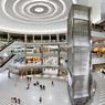 Le Mall of America regroupe 522 boutiques sur 4 étages, un parc à thème avec montagnes russes, un aquarium, 14 salles de cinémas , 4 supermarchés et 8 discothèques.
