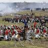 Outre les soldats à pied, fusils à l'épaule ou poussant des canons, les figurants montent aussi à cheval (250 au total). Ils sont accompagnés de femmes, chargées, comme à l'époque du ravitaillement des troupes.
