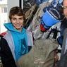 En août 2012, les alpinistes Arnaud Christmann (R) et Jules Berger (L) ont découvert dans le glacier des Bossons, un sac en toile de jute qui s'avèrera être une valise diplomatique appartenant au gouvernement indien.